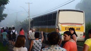 Impasse deixa 200 alunos sem ônibus escolar