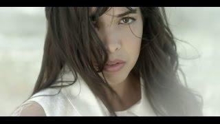 Indila - mini world shqip  ( english lyrics )