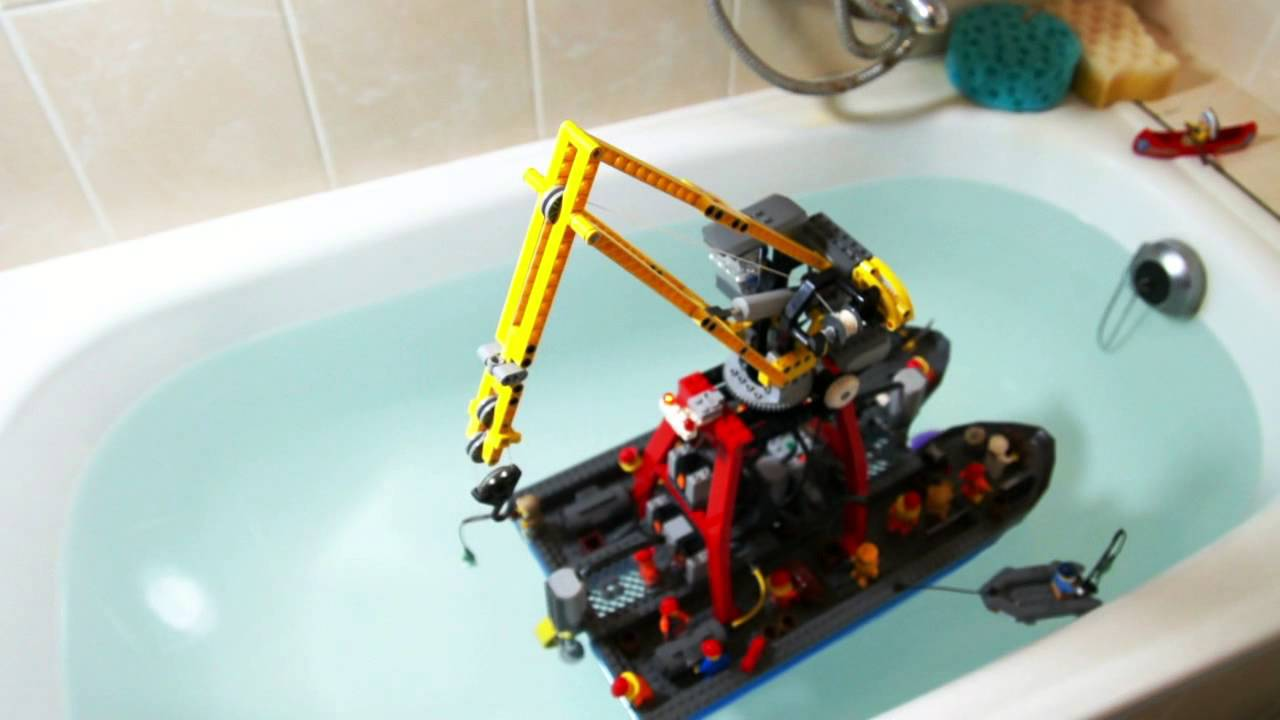 Lego Technic Motorized Floating Crane Youtube
