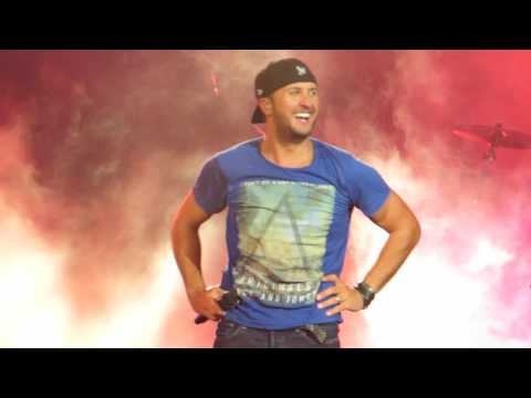 "Luke Bryan ""Country Girl"" Live @ Susquehanna Bank Center"