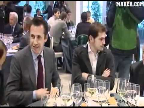Real Madrid muslim player Diarra refuses to put a glass of alcohol infront of him!