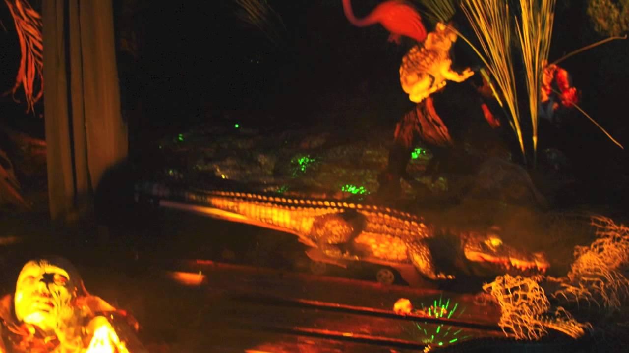Hillbilly Swamp Yard Haunt Halloween 2012 - YouTube