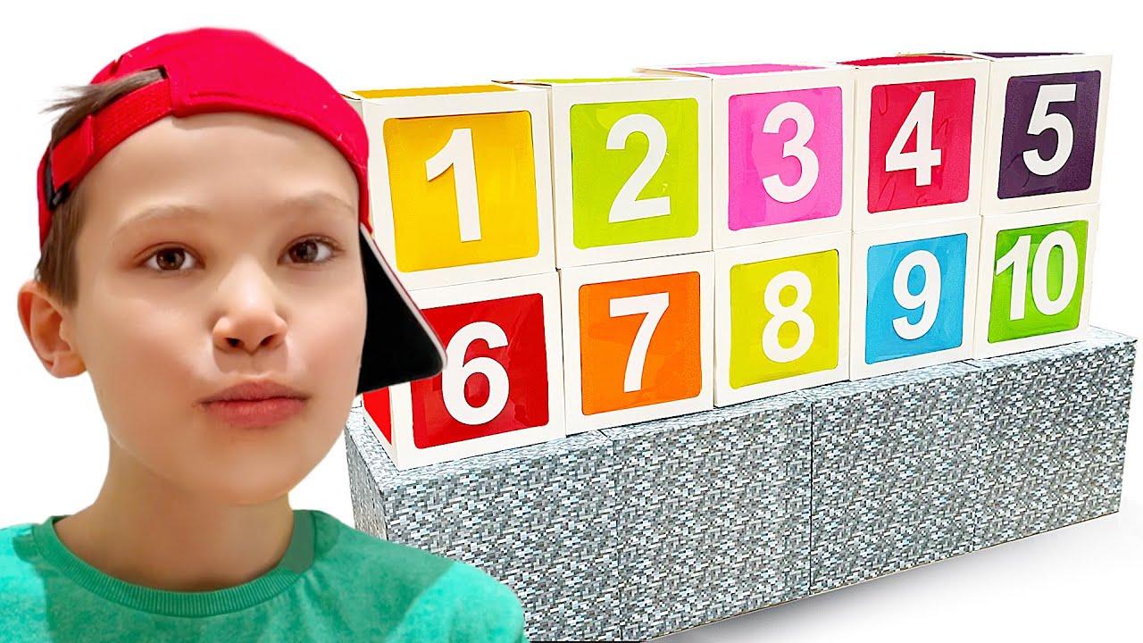 Катя и Макс покрасили языки желейными конфетами