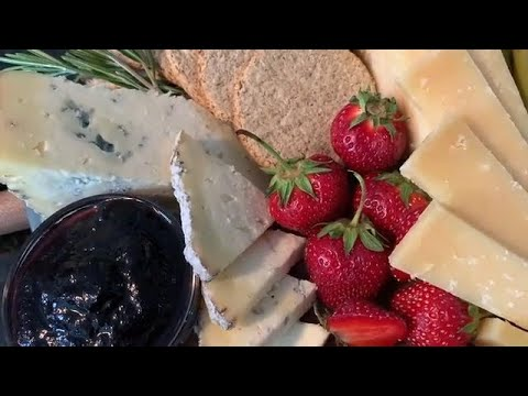 How to build the ultimate Canadian cheese board