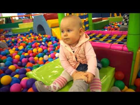 12 месяц жизни ребенка-наша Мила растет,играет,говорит/нарезка/первые шаги