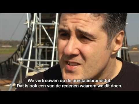 Shell V-Power stunt AutoRAI 2011 - de stuntman - Shell haalt Stuntman Steve Truglia naar Nederland voor de specatulaire Shell V-Power stunt, waarmee de AutoRAI 2011 wordt geopend.