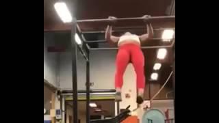 Gym Girl Fails LOL 😂😂