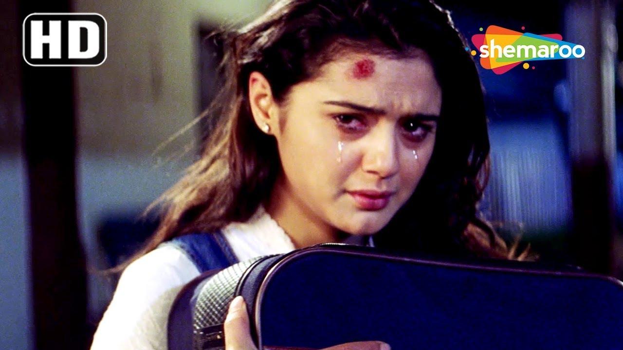 Download Priety Zinta famliy get her back home scene from Kya Kehna - Anupam Kher - Best Hindi Movie