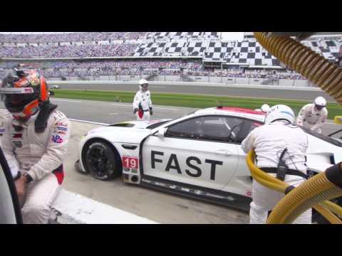 BMW Art Car John Baldessari 24h Daytona 2017 - Pit Stop | AutoMotoTV