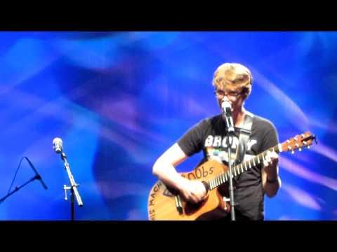 """My Favorite Pony"" by Hank Green LIVE VidCon 2012"