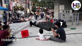 Japanese Unbelievable Magic Trick on Road with Funny Okinawa Naha matsugawa