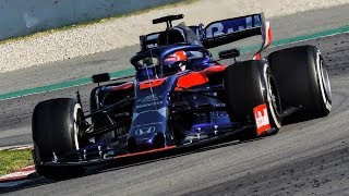 Toro Rosso Honda STR14 On Track | F1 2019 Pre Season Testing | FullGasMedia