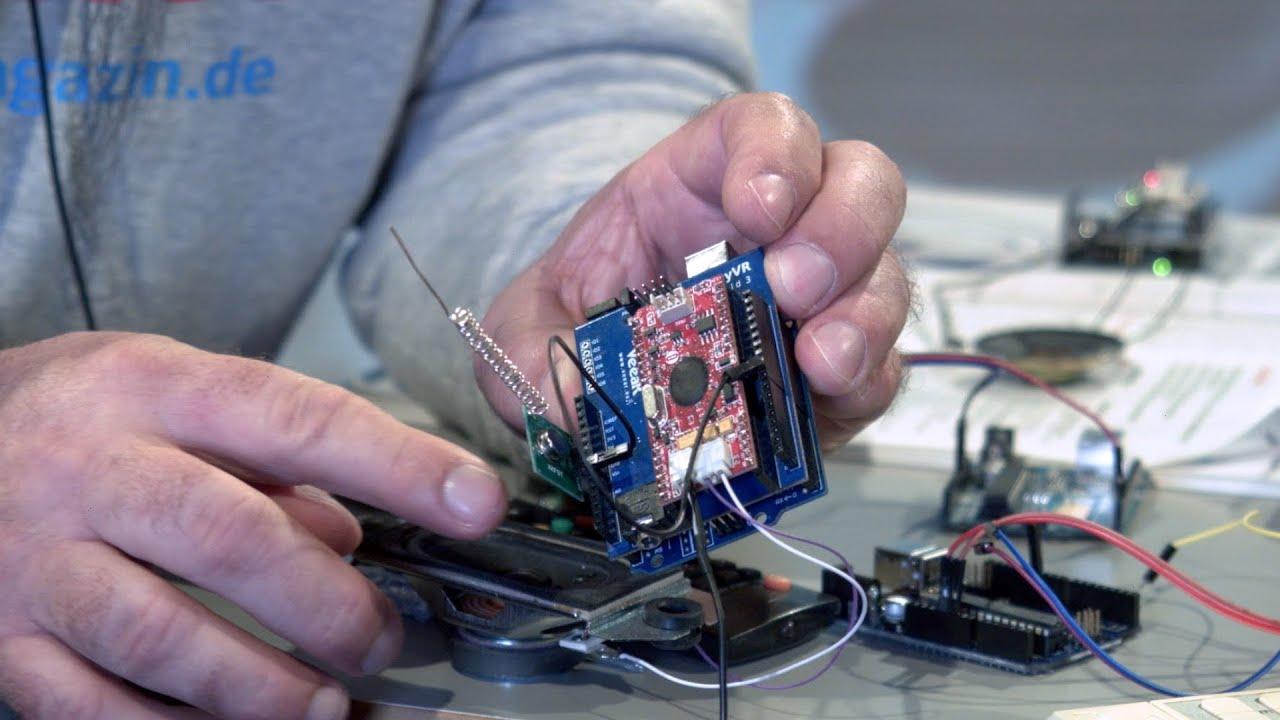Ohne Cloud: Sprachgesteuerte Infrarot- und Funk-Fernbedienung mit Arduino | Tutorial