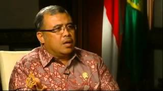 Indonesia justice minister under fire because the government Indonesia politic are support Palestine