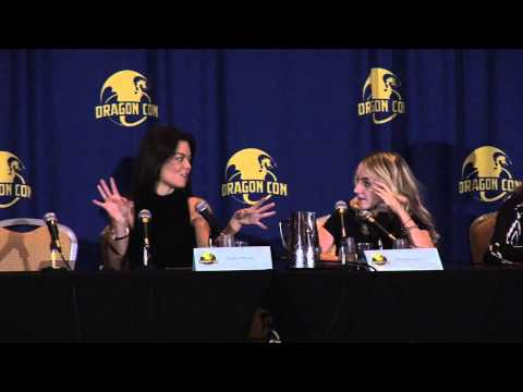 Harry Potter panel Dragoncon August 30, 2014 Evanna Lynch and Scarlett Byrne