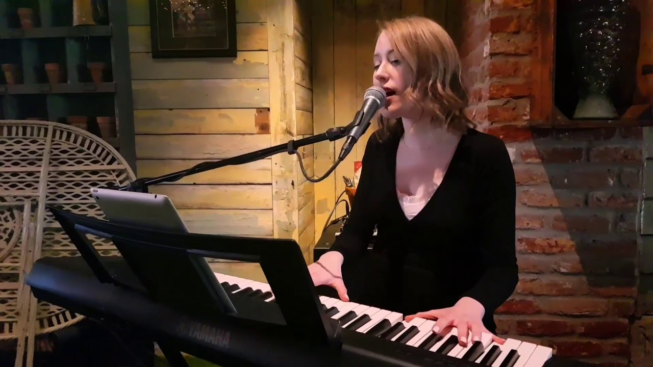 Hannah | Soulful Singer and Pianist for hire in Yorkshire | UK