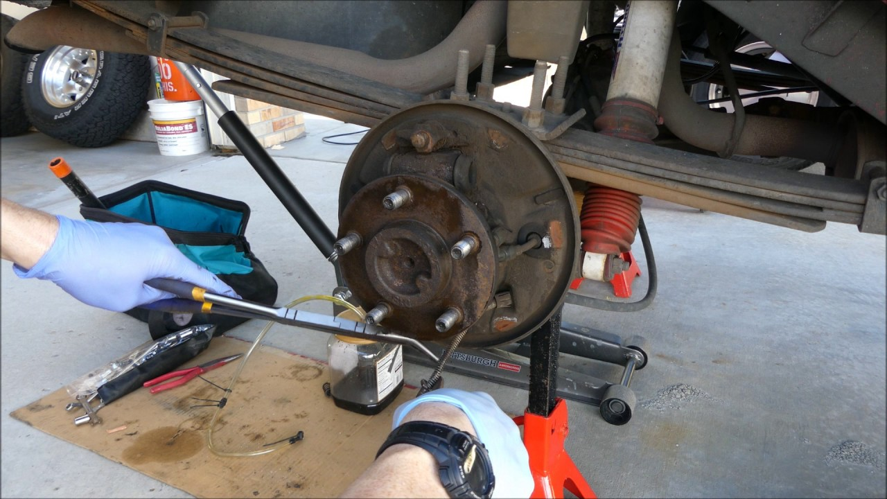 rear drum brake job on 1999 cherokee [ 1280 x 720 Pixel ]