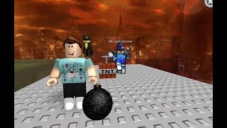 "playing my 2nd game i made on roblox == its called ""explose it"" =="