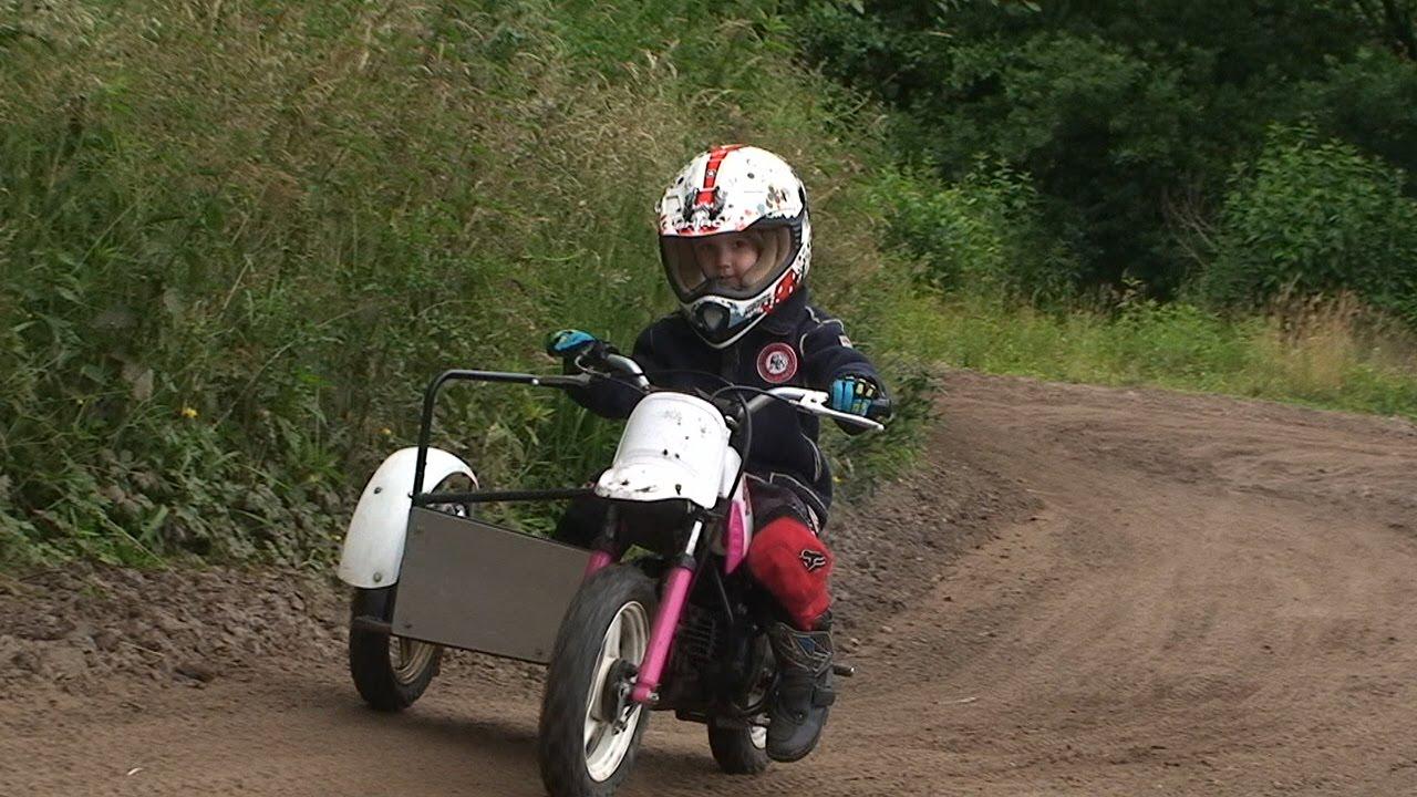 kinder motocross sidecar mit fina 4 jahre alt youtube. Black Bedroom Furniture Sets. Home Design Ideas