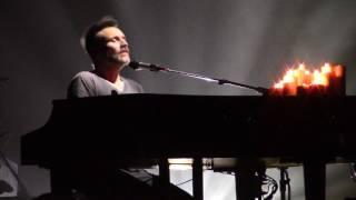 Nek Il mio amore è differente (suona il piano)  - Unici in Tour Bologna 29/04/2017