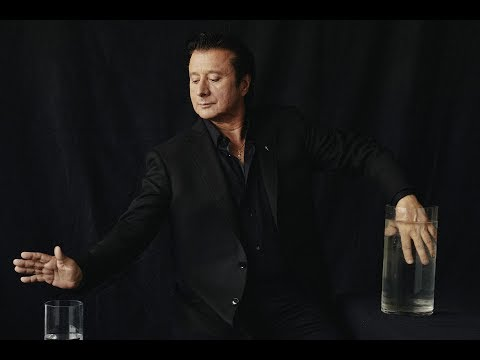 """Steve Perry's """"Revealing"""" New Article"""