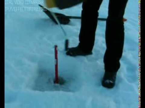 Comment faire un trou dans la glace pour p cher youtube - Comment pecher dans un port ...