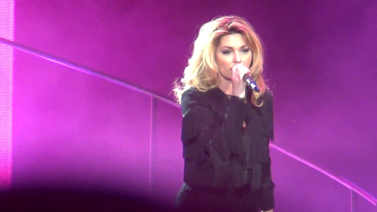 Shania Twain Whose Bed Have Your Boots Been Under Stagecoach 2017