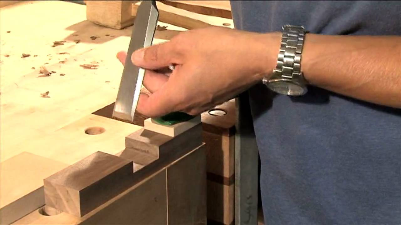 4 Ways to Use a Chisel