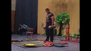 """Андрей Пушкарь и гантели """"Бэйби Инч"""" по 53 кг. Andrey Pushkar Baby Inch dumbbells double hold."""