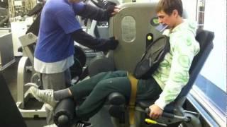 ЛФК при конкрактуре коленного сустава(Тренер Леха помогает справиться с контрактурой сустава после 3 операций.