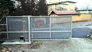 Samonosná brána 4,3 m (1)