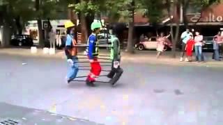 Крутой танец на улице(, 2015-01-02T12:40:04.000Z)