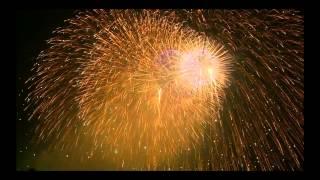Красивый фейерверк. Салют лучшее видео(Красивый фейерверк. Салют лучшее видео Салют - Красивый фейерверк. Скачать полную версию в HD качестве 1 ГБ..., 2015-04-29T18:35:23.000Z)