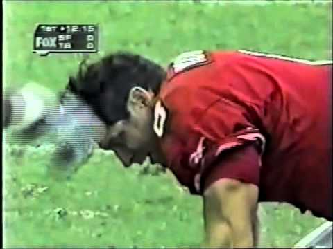 Bucs Sapp and Nickerson give Steve Young a concuss...