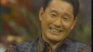 Parte de un programa de 1981, en el que actua con su mujer Mikiko K...