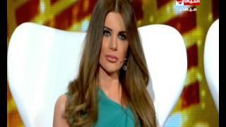 مذيع العرب - غضب وإعتراض الإعلامية منى أبو حمزة وترفض التصويت للمتسابقين بسبب تقرير مأمون