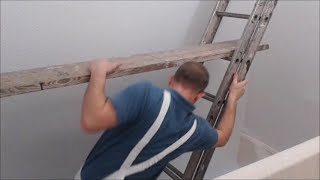 What scaffold to use for decorating a staircase
