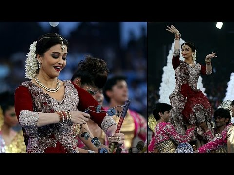 Aishwarya Rai at 49th World Congress on Dance Research Dadar