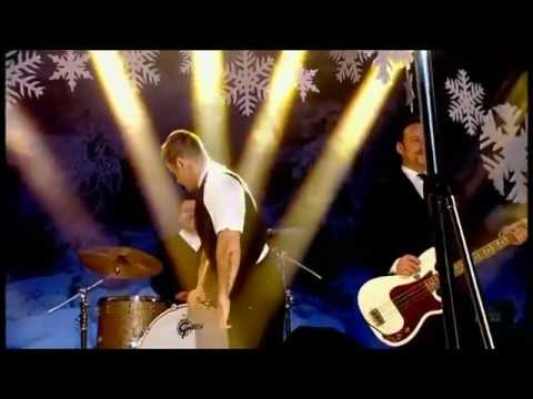 Robbie Williams -- Different (Live New Year's Eve Top Of The Pops)
