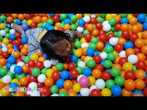 Hore bermain mainan anak indoor playground mandi bola perosotan anak di taman bermain anak