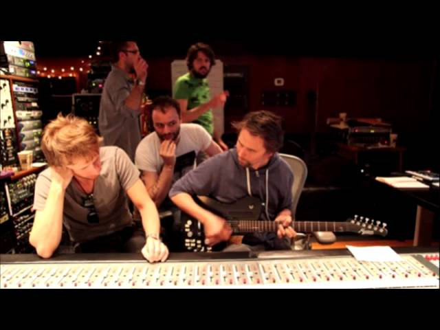 muse-plug-in-baby-acoustic-rare-version-chimpanzeethat