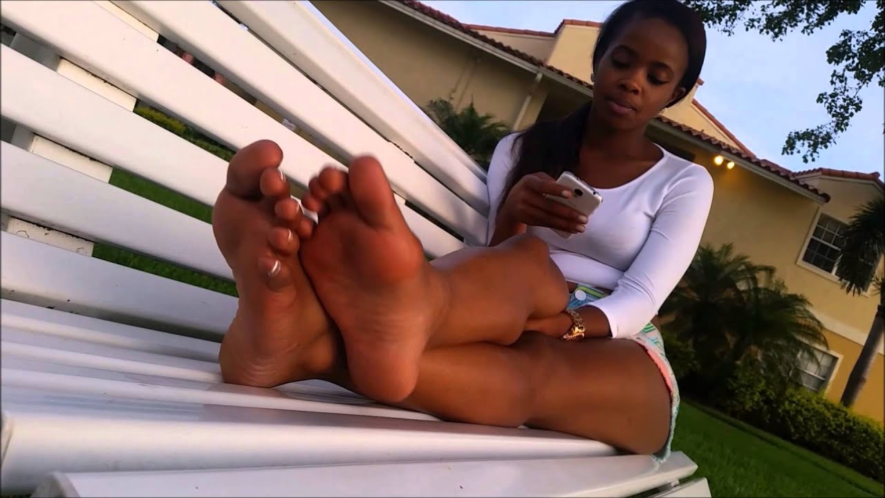 beuti-tickled-black-girl