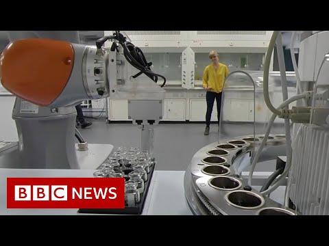 Meet the socially distant robot scientist - BBC News