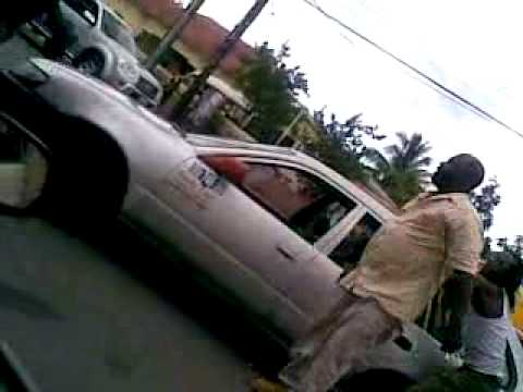 Taxi man fight in St Ann's Bay