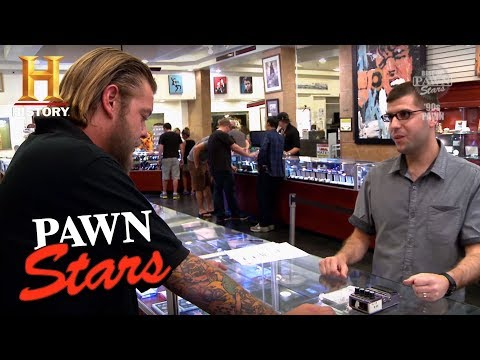 kurt cobain 39 s guitar pedal on pawn stars nirvana. Black Bedroom Furniture Sets. Home Design Ideas