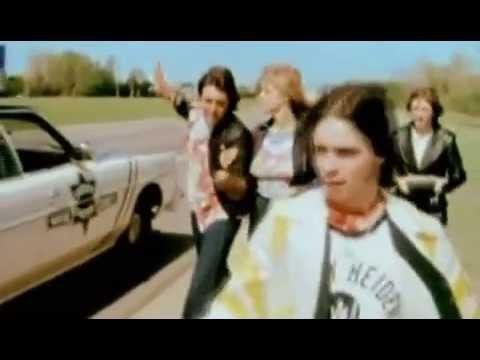 SILLY LOVE SONGS   Paul McCartney  Wings   1976 HQ]