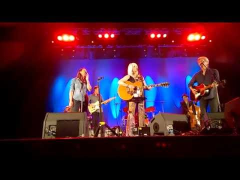 Emmylou Harris / Rodney Crowell - Stars on the Water / Even Cowgirls - Gold Coast, Australia, 1-7-15