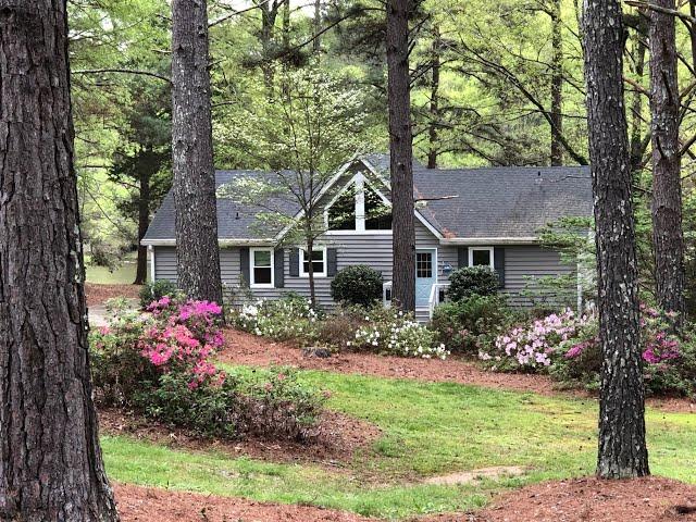 Lake Oconee Home:  110 Hickory Point  $379,000