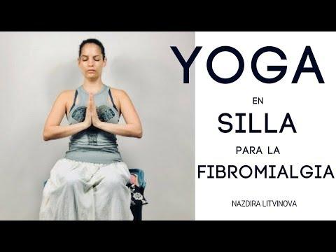 yoga ligera en SILLA para la FIBROMIALGIA principiantes, dolor de CUELLO, HOMBROS, MUÑECAS, ESPALDA