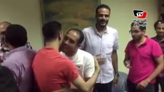 أول ظهور لـ«عمرو بدر ومالك عدلي» داخل نقابة الصحفيين بعد قرار إخلاء سبيلهما